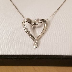 Sterling silver pendant necklace with diamonds